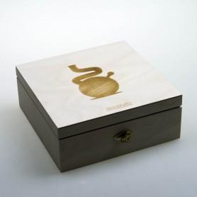 Drewniane pudełko na akcesoria do skręcania